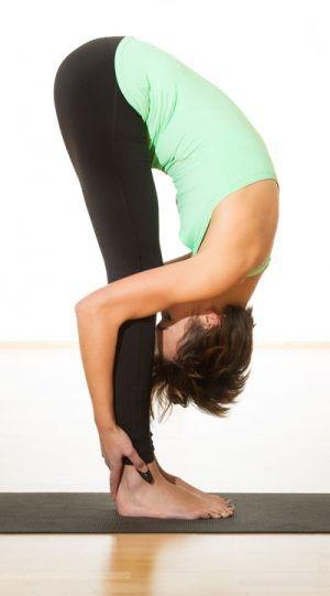 yoga für den rücken – 8 Übungen gegen rückenschmerzen | yoga zur gewichtsreduktion