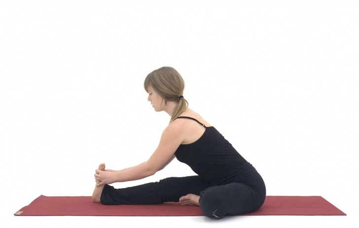 basic yoga poses for menstruation pictures