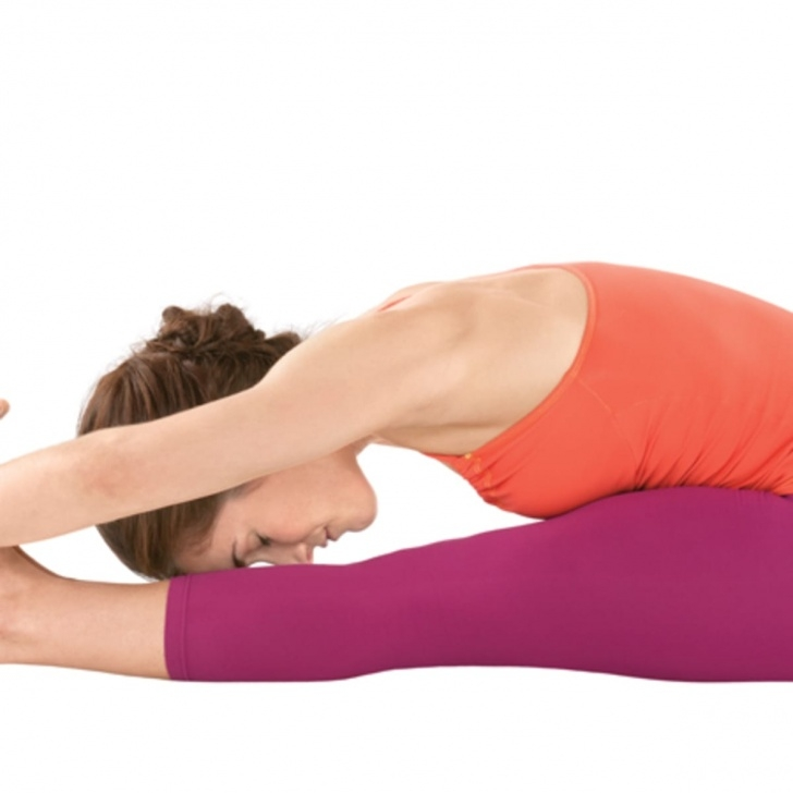 essential yoga poses for menstruation picture