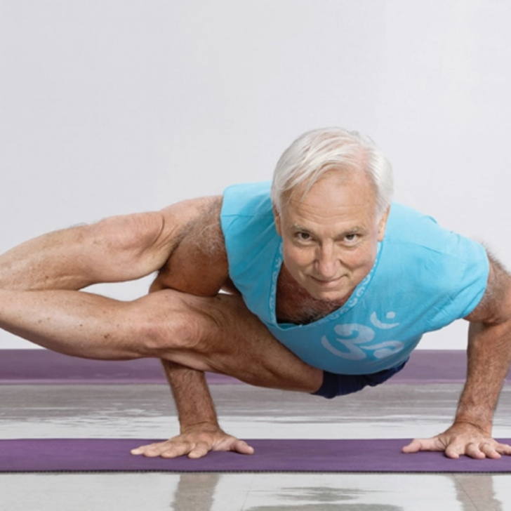 most common yoga poses male picture