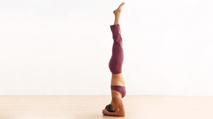 must know yoga poses headstand vs handstand image