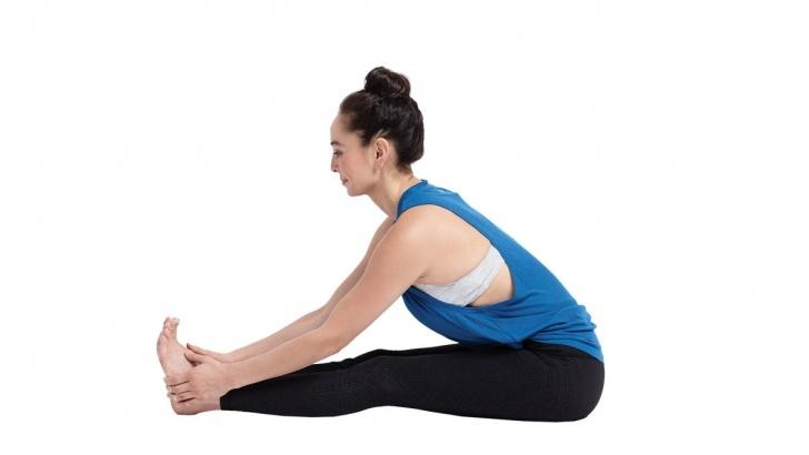 top yoga poses paschimottanasana benefits in hindi photos